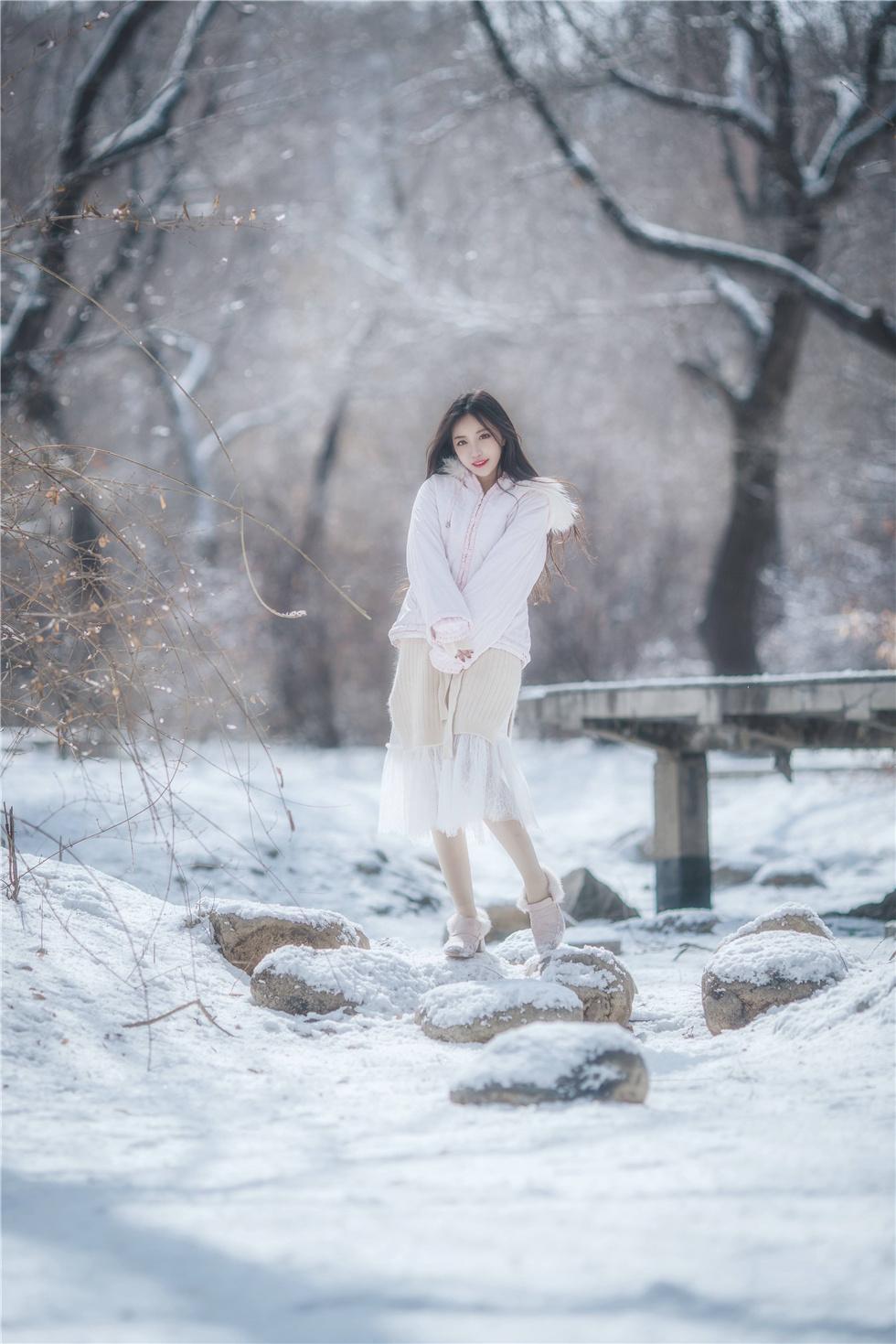 冬日里令你动容的精灵少女,第2张