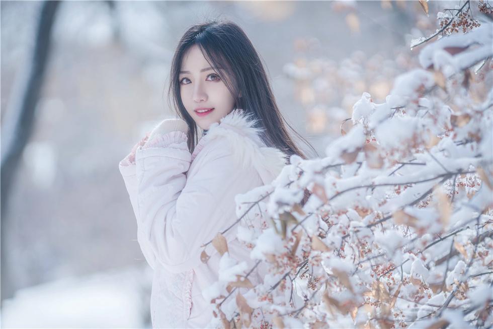 冬日里令你动容的精灵少女